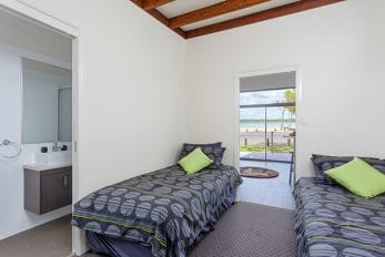 Tourist Caravan Park   Mallee Design   2nd Bedroom Bathroom